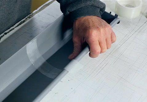 Клейкая лента скотч для герметизации швов