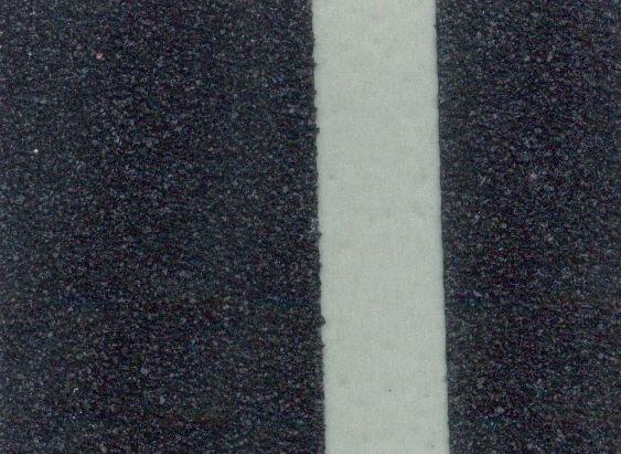 Фотолюминисцентная противоскользящая (антискользящая) лента стандартная зернистость safety-grip, черная с фотолюминисцентной полосой