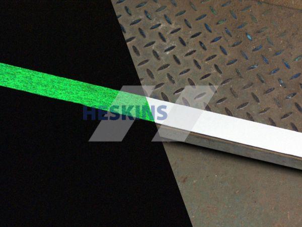 Фотолюминисцентная противоскользящая (антискользящая) лента стандартная зернистость safety-grip, Белая
